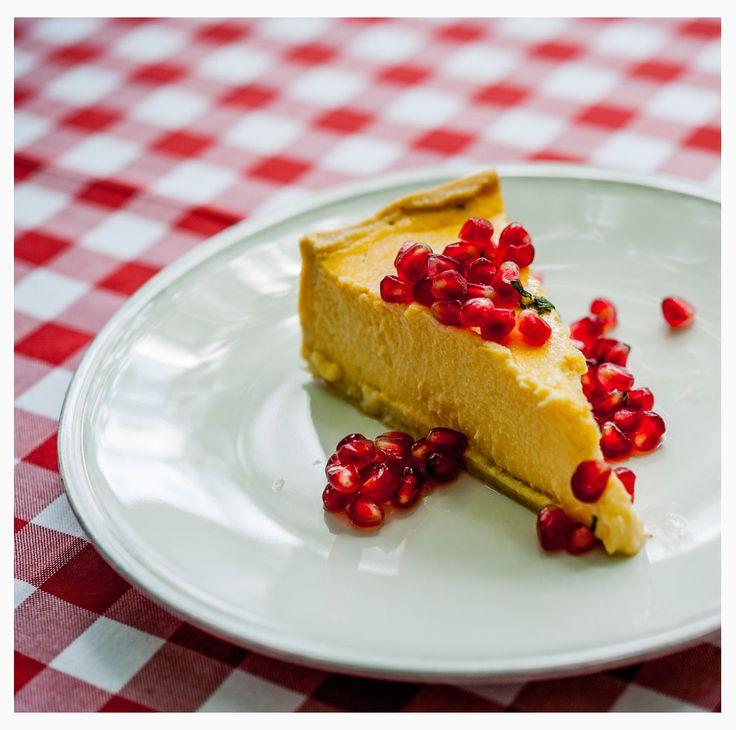 Limoncello - ricotta cake with pomegranate.