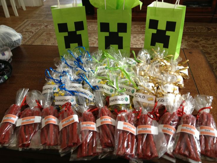 There Is No Minecraft Party Stuff Anywhere Someone Could Be Making A Bagsminecraft Birthday Ideasminecraft