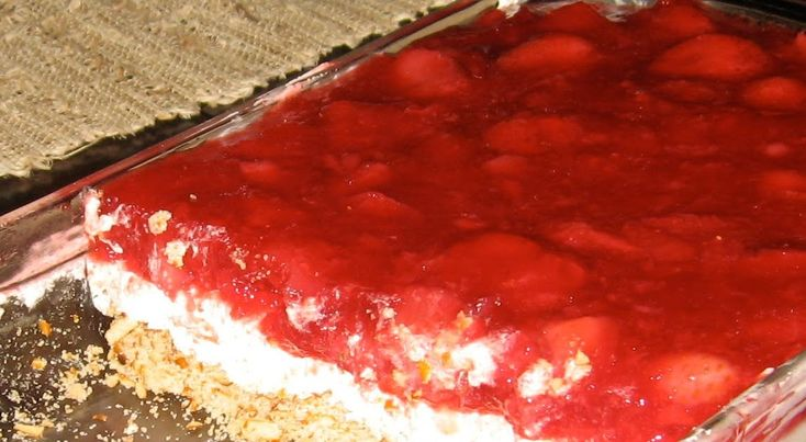 Mrs. T.'s Thoughts From a Titus 2 Mom: Fourth of July Foods / Strawberry Jello Pretzel Dessert