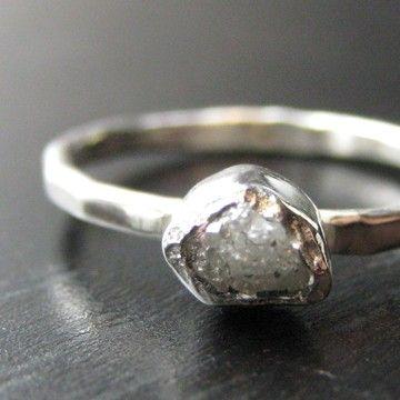 Diamante en bruto y anillo de diamante corte por VKecojewelry