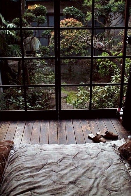 Love the idea of sleeping out here in an atrium - all you'd need is a gentle rain falling and it'd be perfect