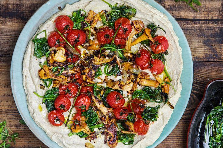 Hummus med kantareller og ovnstekte tomater – Aichas Mat