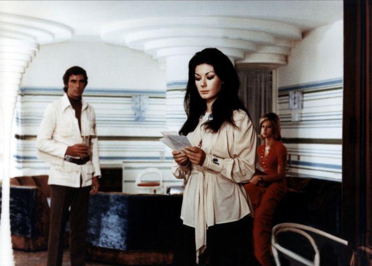 The strange vice of Mrs. Wardh (1971) - Edwige Fenech & George Hilton