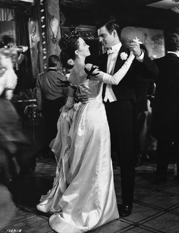 Leslie Caron (Gigi) and Louis Jourdan (Gaston Lachaille) - Gigi directed by Vincente Minnelli (1958) - Based on the novel by French writer Colette (1873-1954)
