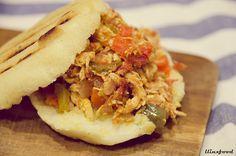 Arepas con pollo desmechado | llinxfood