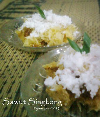 Jajan Pasar > Sawut Singkong (Steamed Grated Cassava Cake)