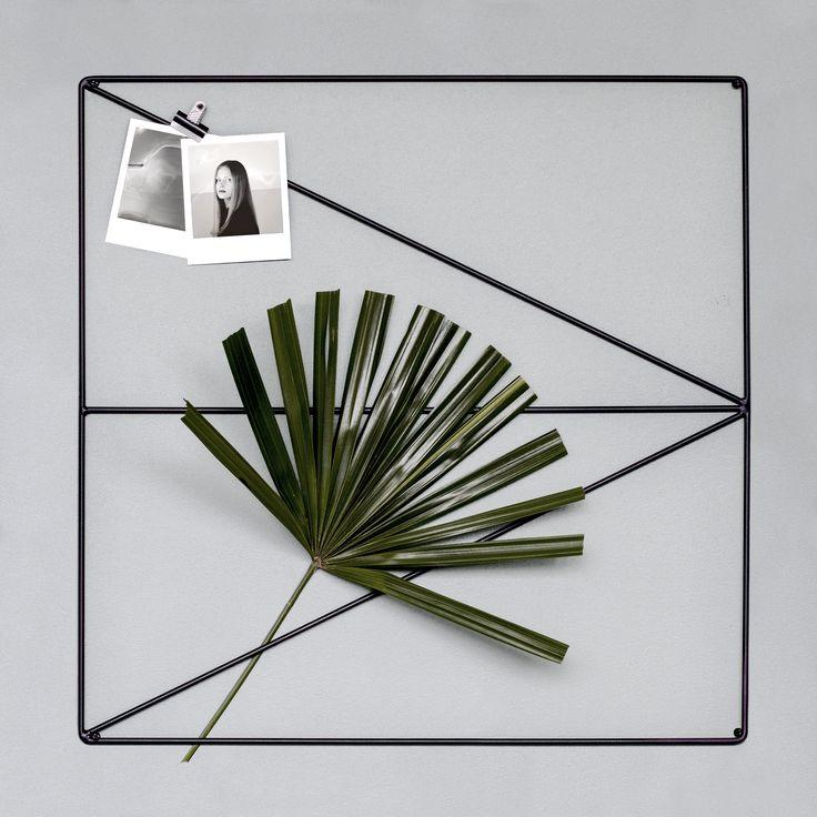 Wallment Arrow Grid metal wire memo board for photos, notes and wall storage | Nordic design #anslagstavla #scandinaviandesign #magazinerack