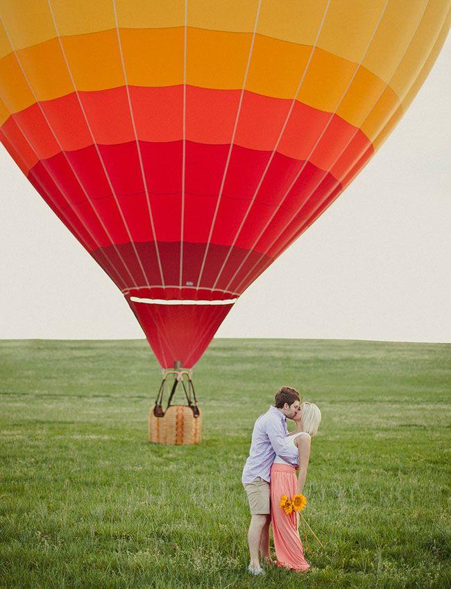 Love this hot air balloon proposal!