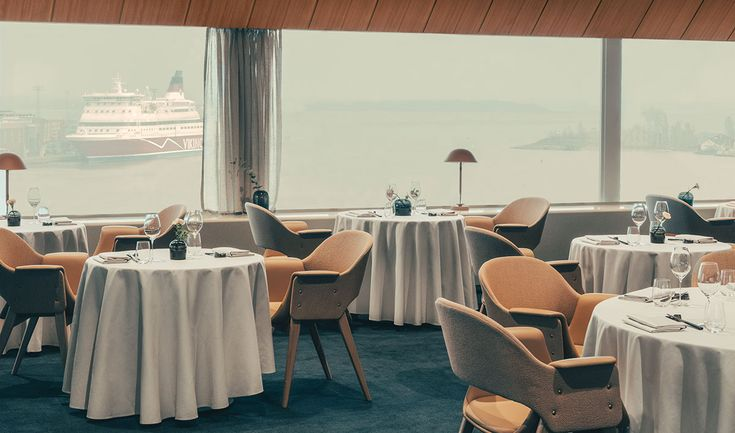 Stockholm-based Note Design Studio has renovated 1950s Palacerestaurant in Helsinki.Located on the 10th floor of the historic Hotel Palace in the city's Eteläranta harbour area, the restaurant was first opened right in time to welcome the guests arriving to spectate the Helsinki Summer Olympics.