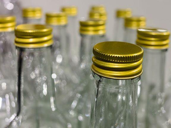 Für das Labor SGS Institut Fresenius ist der Schraubverschluss ein wichtiger Aspekt, wenn die Sicherheit und Qualität einer Getränkeverpackung beurteilt wird..
