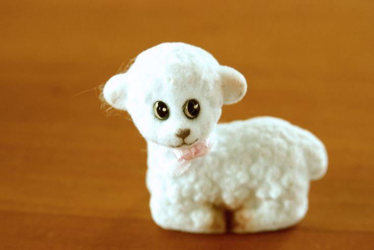 Little easter sheep. See more at www.evabyeva.dk