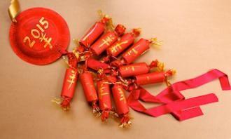 Make a Chinese firecracker garland