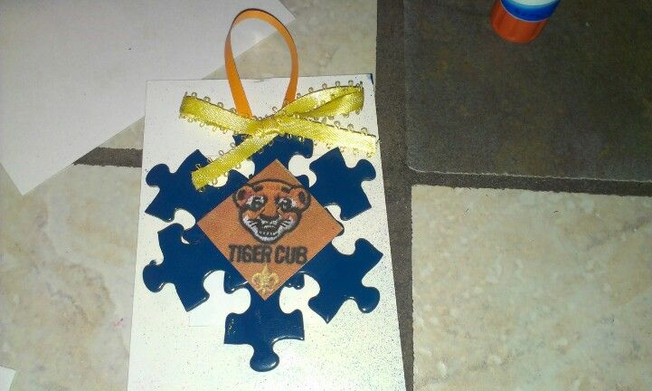 Cub scout christmas ornament could do this in red white for Cub scout ornament craft