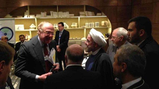 Davos, incontro tra il presidente iraniano Hassan Rohani e Paolo Scaroni, AD dell'Eni