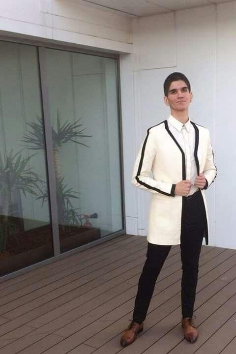 Marius Hodoleanu dressed în Iulia Hodoleanu unisex blazer