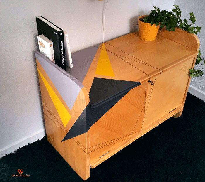 mobilier-scandinave-vintage-enfilade-relooking-jaune-gris-anthracite-Strasbourg-rétro-année-50-année-60-Chopardesign-bois-pyrogravure-rénovation-sur-mesure-tripode-décoration-Alsace-41.gif (700×620)