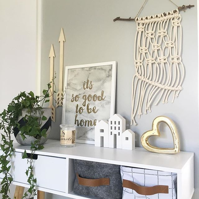 • Still looking for that perfect Mother's Day gift?  How about gorgeous Eve $45posted  Gorgeous natural branch with a off white cotton rope  Stunning piece for your home Comment sold and your email address to purchase •  #macrame#mothersdaygift#wallart#wallhanging#beachy#kmartstyling#spotlight#woolworths#kmartau#lovemyfinds