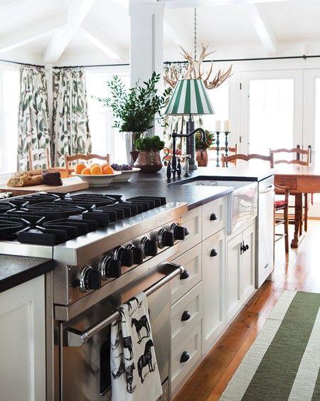 une cuisine champ tre au look industriel cuisines. Black Bedroom Furniture Sets. Home Design Ideas