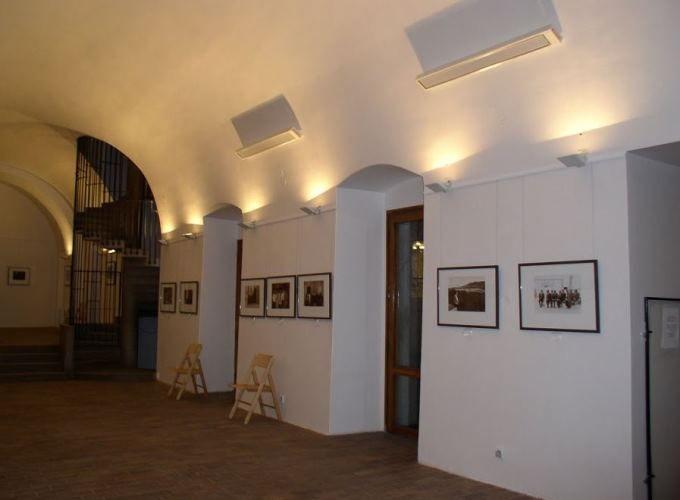 Panele grzewcze z serii Radium - ogrzewanie galerii