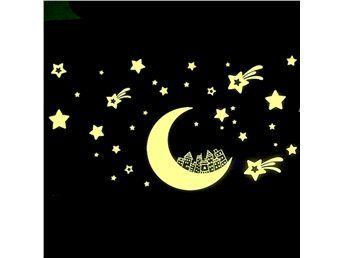 Självlysande Måne med stjärnor