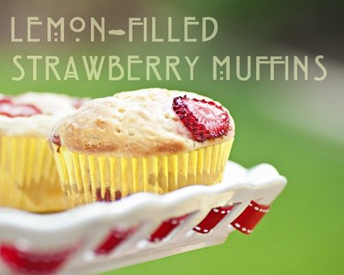 lemon-filled strawberry muffins (vegan): Lemon Curd Recipes, Strawberries Muffins Recipes, Lemon Filling, Strawberries Lemon, Fillings Strawberries, Lemon Strawberries, Lemon Fil Strawberries, Filled Strawberries, Lemon Muffins