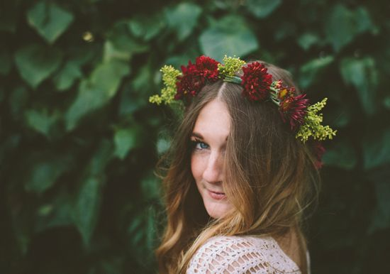 DIYdelicate floral crown   Photo by Paige Lowe