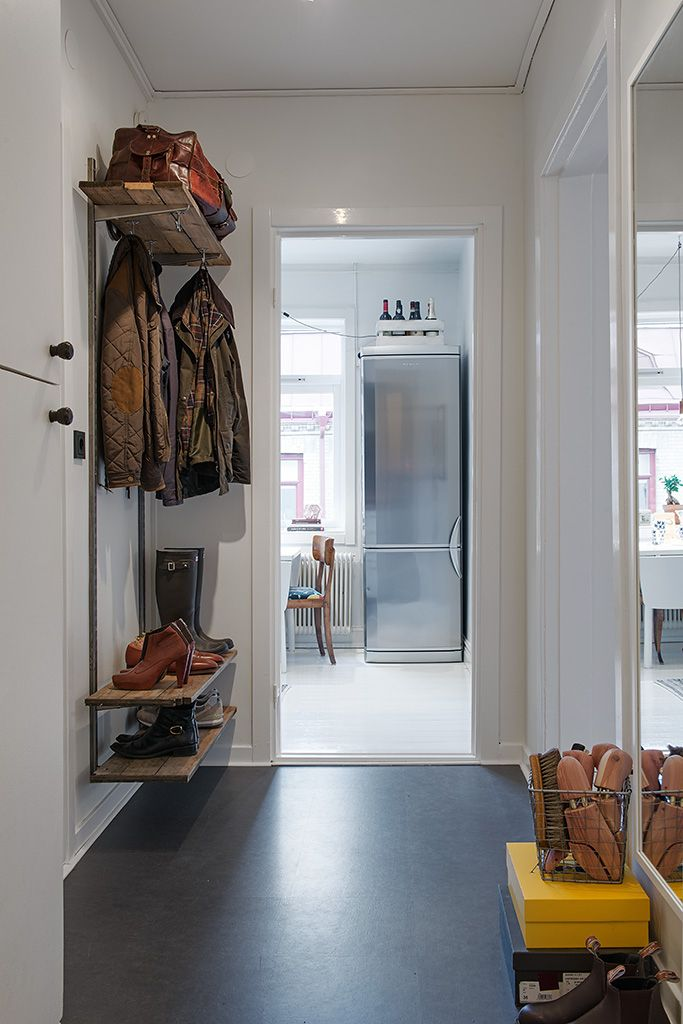 nice entryway shelving rack for coats, shoes and bags...