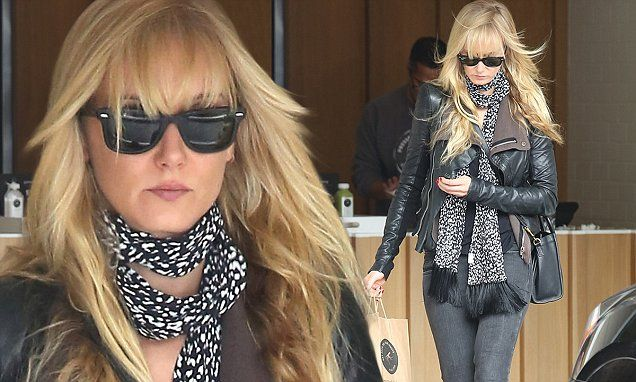 Kimberly Stewart stocks up on slimming juices at Pressed Juicery