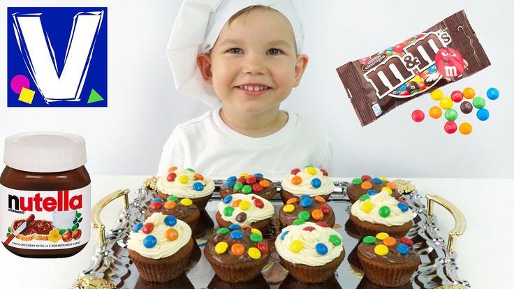 Готовим капкейки с Нутеллой и M&M's. Сегодня мы с Владом приготовим простые и вкусные кексы ( капкейки), которыми можно украсить кендибар на праздник или про...