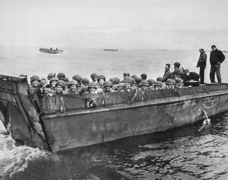 U.S. soldiers in a landing craft. | Amazing, Historic Images Of Allied Troops Storming The Beaches Of Normandy On D-Day