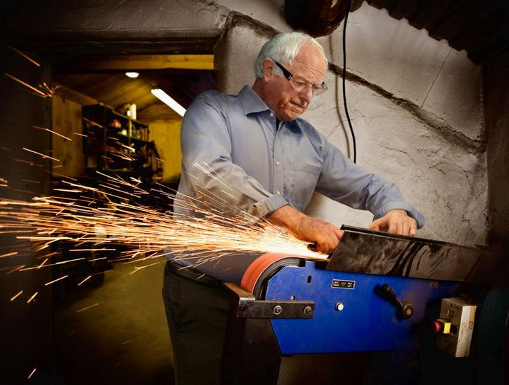 Bernie Sanders Fills In For Factory Worker Unable To Take Time Off To Vote