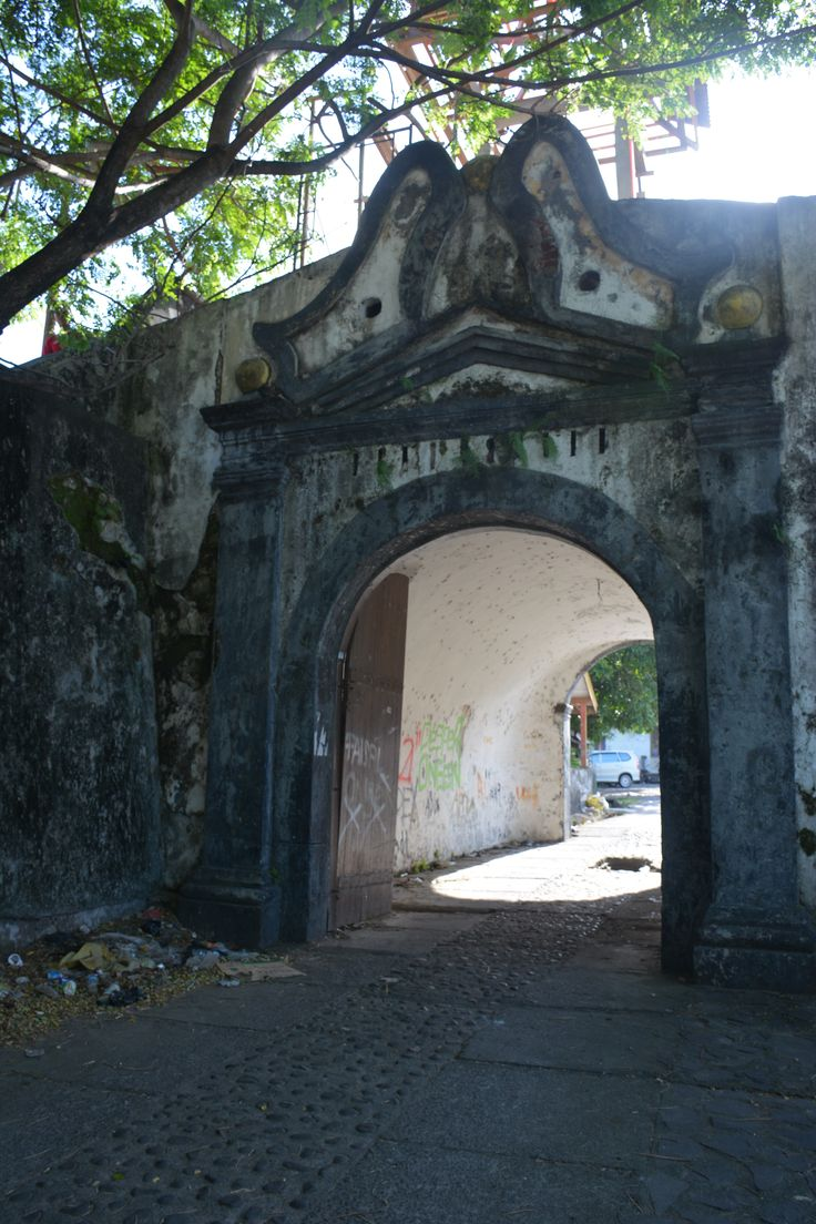 Entrance to Fort Malayo (later Fort Oranje), Ternate.  The Dutch fort was extremely well built with over 90 canons to defend it yet it fell to the English in the early 1800's.  http://www.spiceislandsforts.com/the-clove-twins-ternate/malayo-fort-orange/