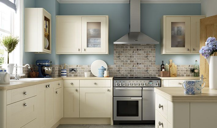 The beautiful painted timber effect and delicate colouring of Wickes Milton Bone will bring light and space into even the darkest and smallest of kitchens.