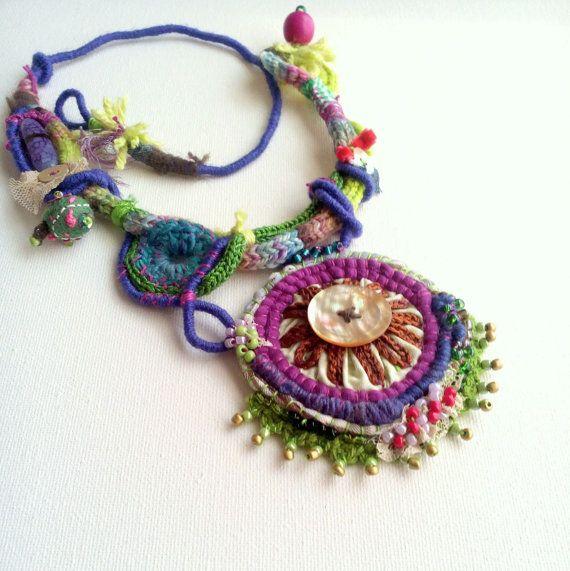 Carlota. Statement fantastic fiber necklace. by GataValquiria