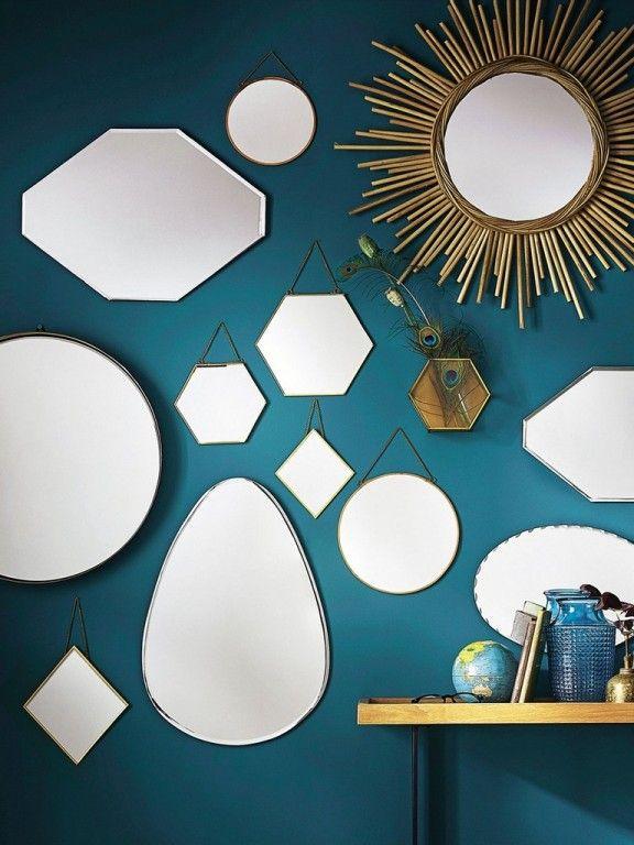 Chambre Mauve Et Turquoise : Murs En Bois Palette, Organisateur De Bijoux Suspendu et Bois Recyclé