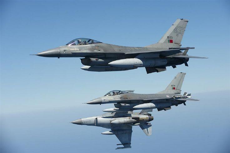 Força Aérea Portuguesa - caça F16A da FAP  http://www.aereo.jor.br/2013/03/28/veja-belas-imagens-dos-f-16-portugueses-e-conheca-seu-programa-de-mlu/