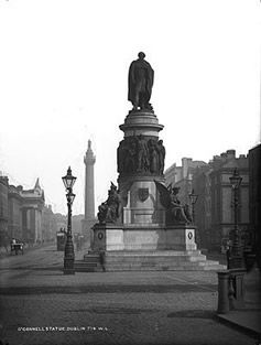 A monument to Dublins nationalist past: the statue of Daniel OConnell on Sackville Street c. 1900. #Irish #History