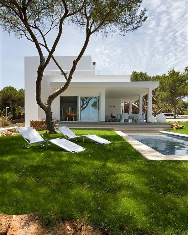 Mediterranean dwelling on Menorca designed by studio Codo a Codo Arquitectura