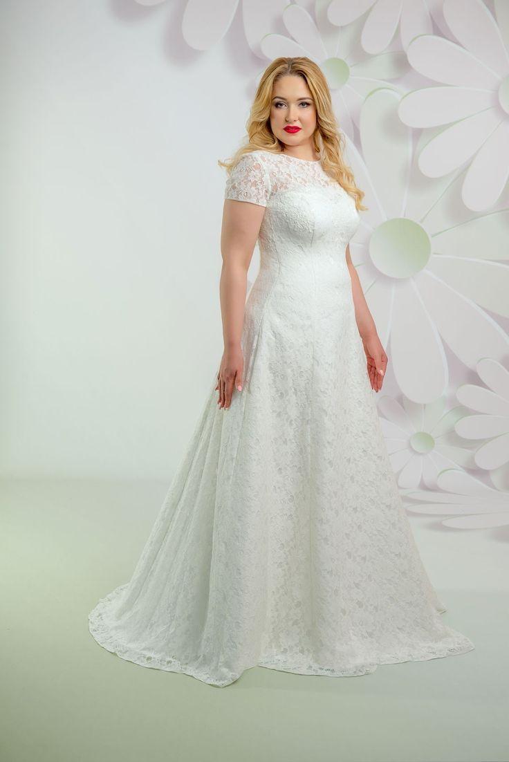 Krásne svadobné čipkované šaty