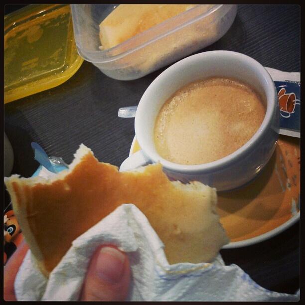 Pancakes & ginseng coffee.