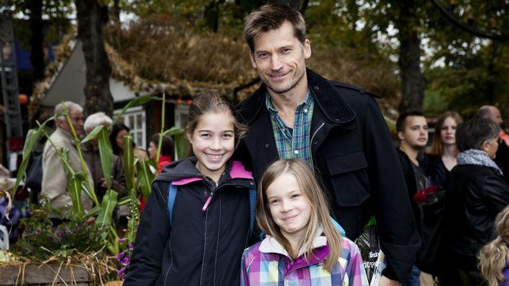 Foto de Nikolaj Coster-Waldau & su  Hija  Safina Waldau