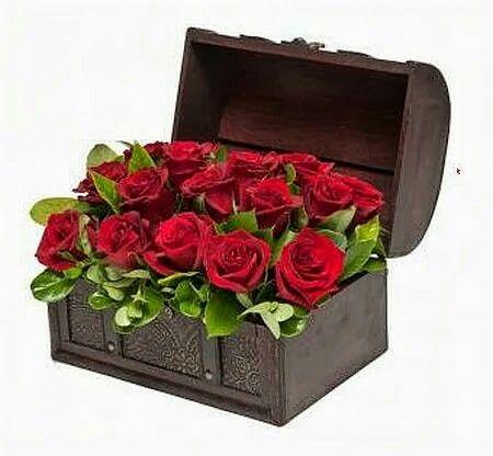 Μπαουλάκι με κόκκινα Τριαντάφυλλα για δώρο στην αγάπη σας. ΑΠΟΣΤΟΛΗ ΛΟΥΛΟΥΔΙΩΝ | SEND FLOWERS TO GREECE | ΔΩΡΑ ΕΠΕΤΕΙΟΥ | ΔΩΡΑ ΑΓΙΟΥ ΒΑΛΕΝΤΙΝΟΥ | ΛΟΥΛΟΥΔΙΑ ONLINE | ΔΩΡΑ ΓΙΑ ΓΕΝΝΗΣΗ | ΠΑΡΑΓΓΕΛΙΑ ΛΟΥΛΟΥΔΙΩΝ