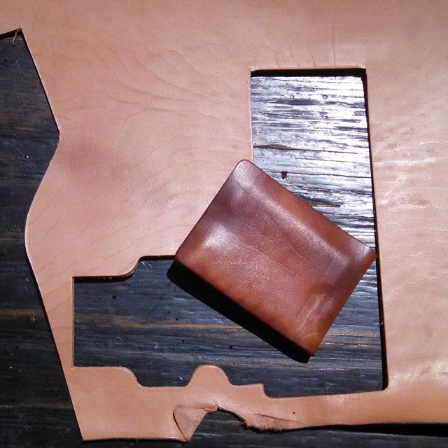 Although it's still wet from the molding process, I've got high hopes for this one. Cut without the back slot and straight off the tail bone. That's often where the best figuration is. This ones going to LA.  #horsehide #leathergoods  #stitchlesswallet #foldwallet #molded #mensaccessories #madetolast #minimalistwallet #madeinusa