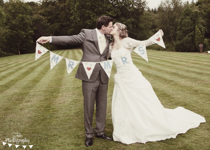 #bunting #wedding #mrandmrs #brideandgroom #vintage