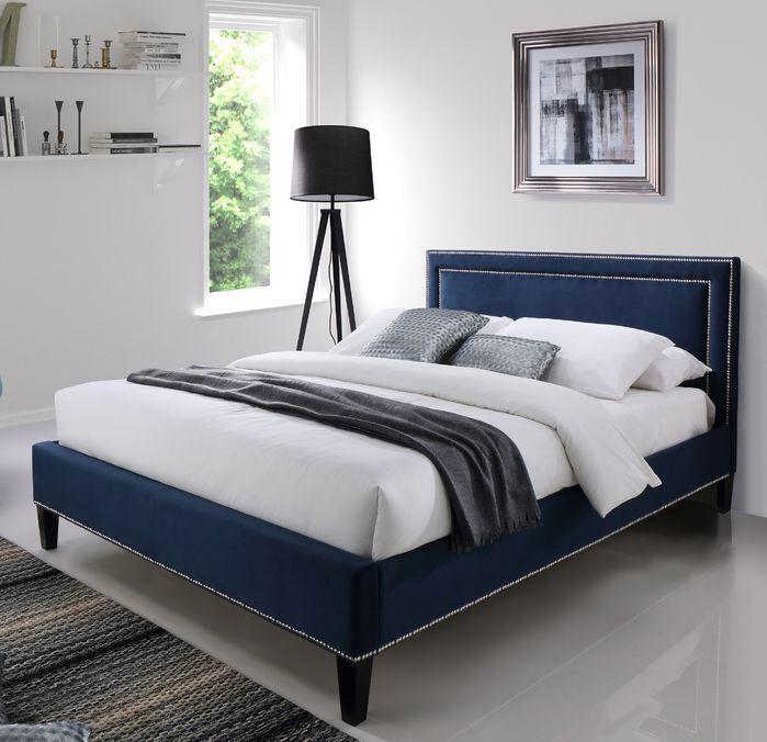 25 best ideas about upholstered beds on pinterest for Meuble ashley quebec