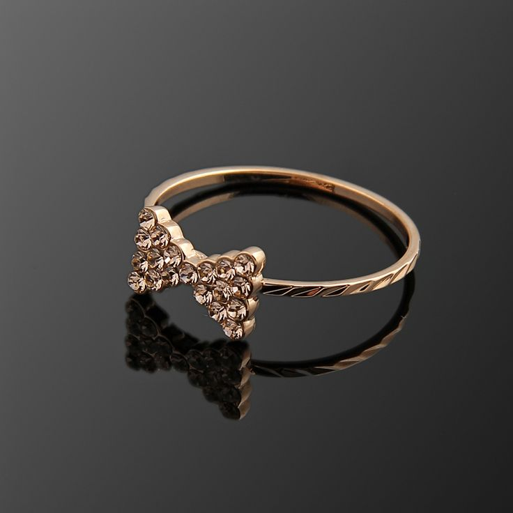 Papyon Yüzük - Avusturya kristali - Swarovski taşlar - Altın kaplama - Aksesuar - Yüzük - Dalya Takı Austrian Crystal - Swarovski stones - Gold plated - Rose gold - Accessory - Ring - Bow tie