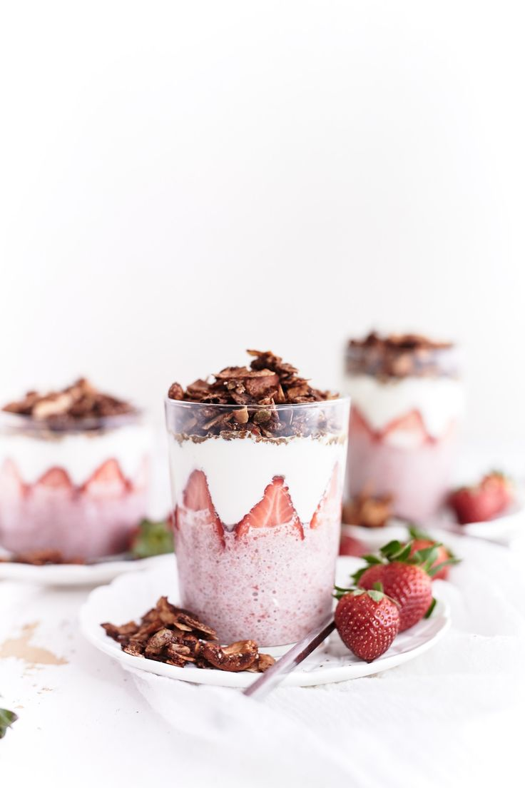strawberry chia chocolate parfait