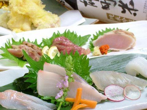 Okayama|Restaurant|海賊 温羅家【URANCHI】あくら通り|地産地消食材です。    岡山の食材を使ったこだわりメニュー!お刺身も天ぷらも新鮮で、旅行で岡山に来られた方にも大変おすすめです。