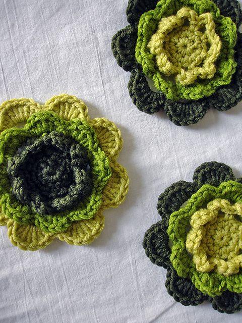 Irish Rose flower CrochetHolic - HilariaFina Pinterest