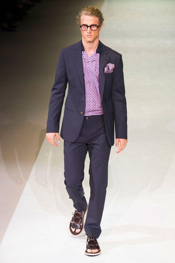 MMU S/S 2015 - Giorgio Armani See all fashion show at: http://www.bookmoda.com/?p=17775 #summer #SS #catwalk #fashionshow #menswear #man #fashion #style #look #collection #milan #fashionweek #giorgioarmani @armani